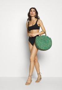 aerie - HI CUT CHEEKY PIECED - Bikini bottoms - true black - 1