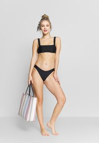 aerie - BANDEAU WIDE STRAP SOLID - Haut de bikini - true black - 1
