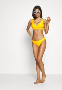 aerie - LONGLINE V SCOOP - Bikini top - zinnia - 1
