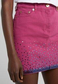 Alberta Ferretti - SKIRT - Spódnica jeansowa - fucsia - 5