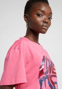 Alberta Ferretti - Print T-shirt - fucsia - 3