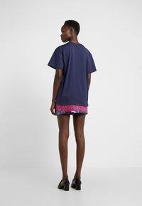 Alberta Ferretti - Print T-shirt - dark blue - 2