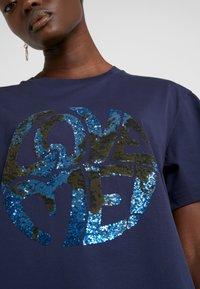 Alberta Ferretti - Print T-shirt - dark blue - 6