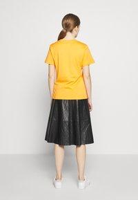 Alberta Ferretti - LEO - T-shirt imprimé - orange - 2