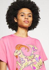 Alberta Ferretti - LEO - Print T-shirt - pink - 4