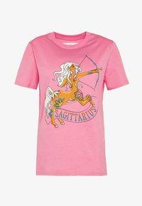 Alberta Ferretti - LEO - Print T-shirt - pink - 5