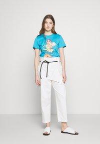 Alberta Ferretti - LEO - T-shirt z nadrukiem - blue - 1