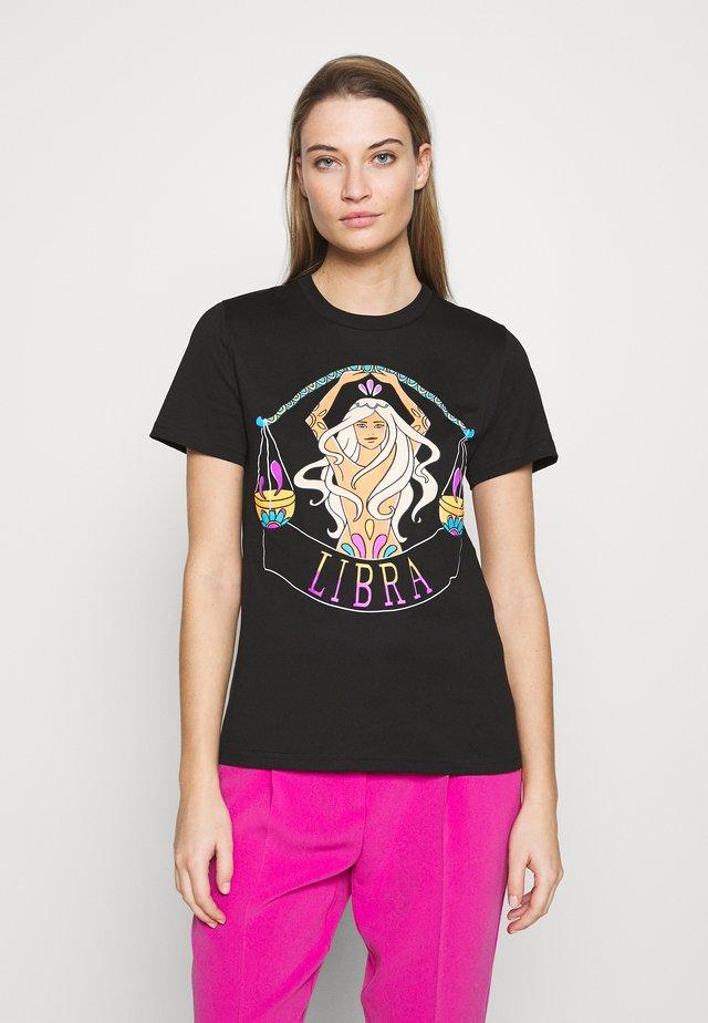LEO - T-shirt z nadrukiem - black
