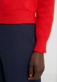 Alberta Ferretti - SWEATER SHORT LOVE ME - Svetr - red - 4