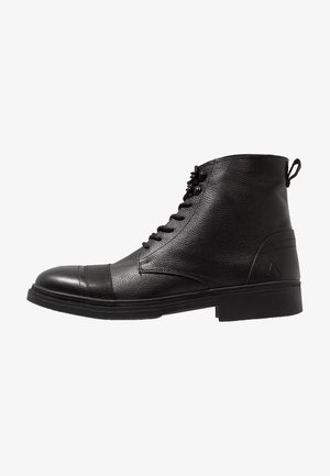 BUGLE - Šněrovací kotníkové boty - black tumbled