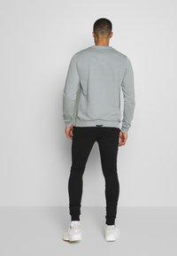 AFTERMATH - SMITH - Pantaloni sportivi - black - 2