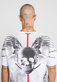 AFTERMATH - WINGSPAN TEE - T-shirt med print - white - 3