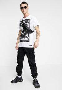 AFTERMATH - FLUTTER TEE - T-Shirt print - white - 1