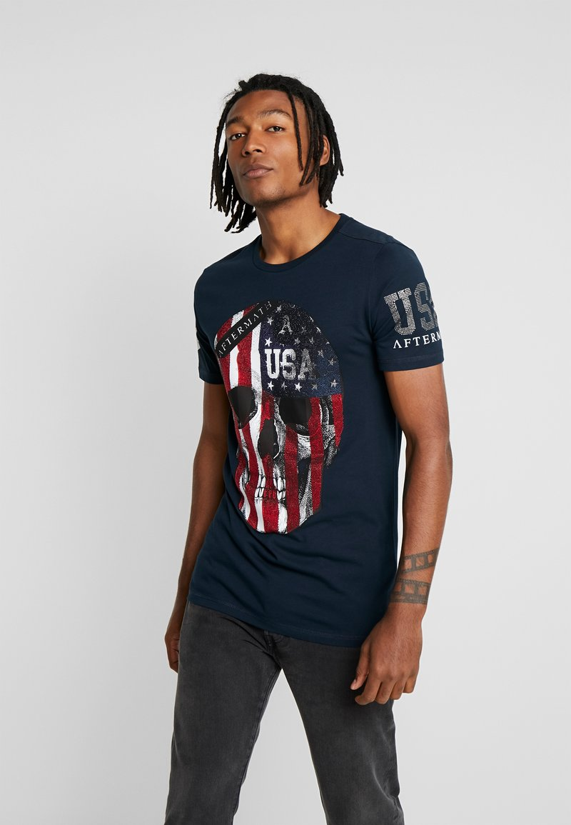 AFTERMATH - WITH USA PRINT  - T-shirt con stampa - navy