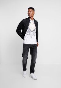 AFTERMATH - RAMSKULL - T-shirt med print - white - 1