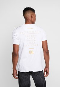 AFTERMATH - RAMSKULL - T-shirt med print - white - 2