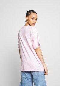 Afends - FREEDOM - T-shirt med print - pink - 2