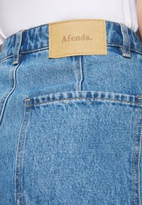 Afends - SHELBY - Straight leg jeans - classic blue - 3