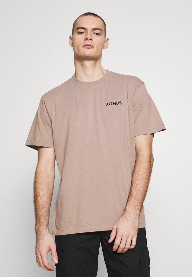 NO TOMORROW RETRO FIT TEE - T-shirt z nadrukiem - sand