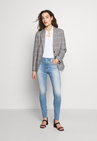 AG Jeans - FARRAH ANKLE - Jeans Skinny Fit - blue denim - 1