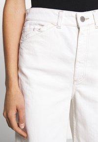 AG Jeans - ROSIE - Široké džíny - moderne white - 3