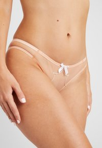 Agent Provocateur - LORNA BRIEF - Slip - nude/white - 4