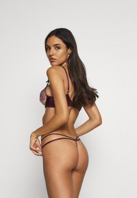 Agent Provocateur - AGNESE THONG - String - pink/plum - 2