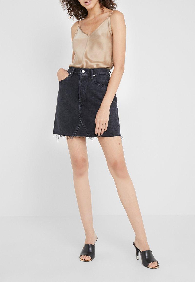 Agolde - ADER SKIRT - A-line skirt - pose