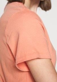 Agolde - MARIAM TEE - T-shirt basic - passion fruit - 4