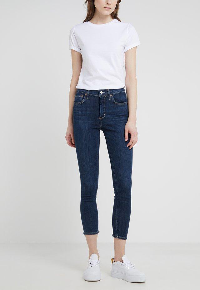 SOPHIE - Skinny džíny - reverb