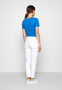 Agolde - TONI - Jeansy Slim Fit - white - 2