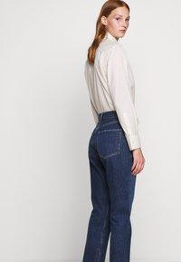 Agolde - REMY - Jeans Straight Leg - blue denim - 3
