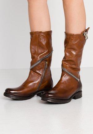 Cowboy/Biker boots - tiger