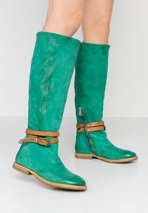 Vysoká obuv - emerald/natur