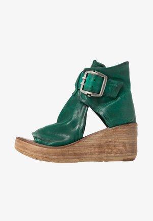 Sandales à plateforme - emerald