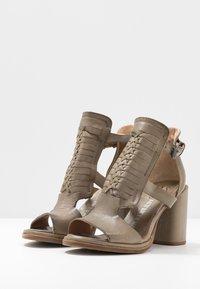 A.S.98 - Sandály na vysokém podpatku - africa - 4