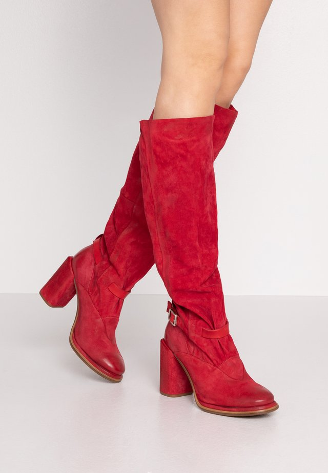 Stivali con i tacchi - blood
