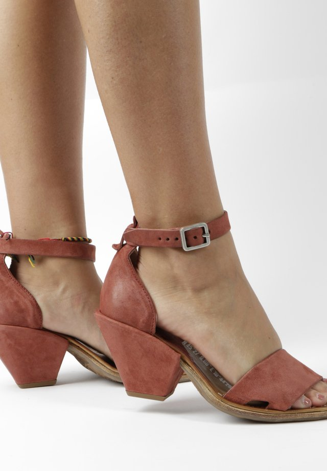Ankle cuff sandals - red