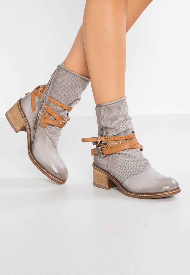 A.S.98 - Cowboy/biker ankle boot - light grey