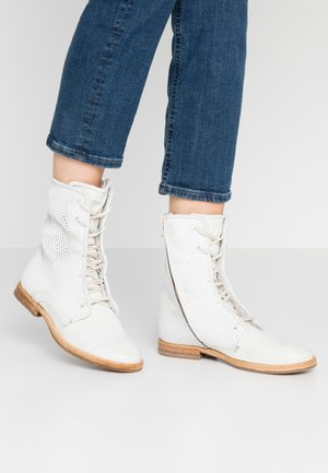 Lace-up ankle boots - bianco