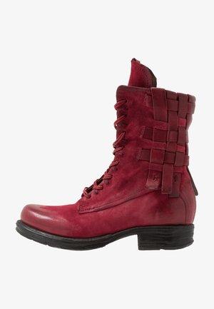Kovbojské/motorkářské boty - cardinal