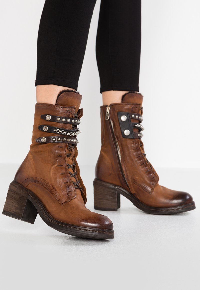 A.S.98 - Cowboy/biker ankle boot - calvados