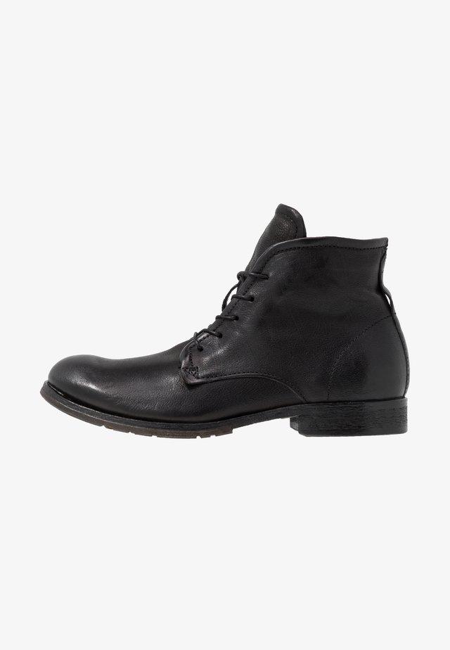 CLASH - Šněrovací kotníkové boty - nero