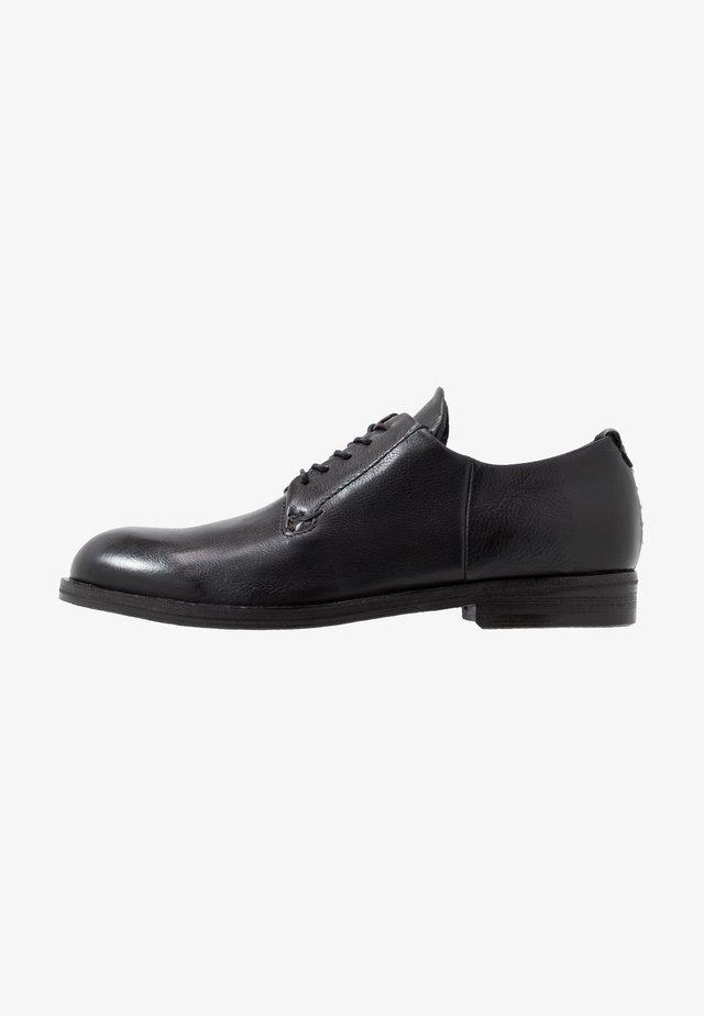 BRIKLANE - Šněrovací boty - nero