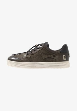 YOUNGMAN - Trainers - jungle
