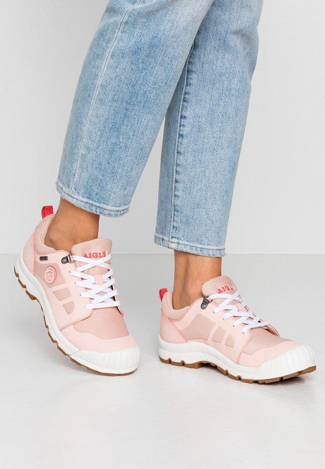 MTD  - Sneakersy niskie - pink