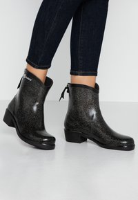 Aigle - MISS JULIETTE BOTTILON PRINT - Bottes en caoutchouc - noir/glitter - 0