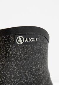 Aigle - MISS JULIETTE BOTTILON PRINT - Bottes en caoutchouc - noir/glitter - 2