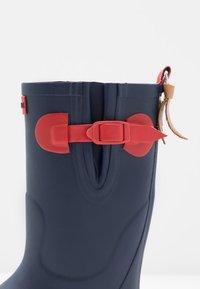 Aigle - POP ISO - Stivali di gomma - indigo/rouge - 2