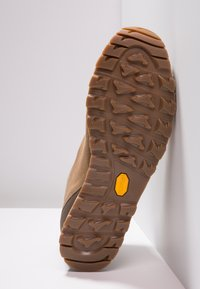 Aku - BELLAMONT LUX MID GTX - Hiking shoes - beige - 4